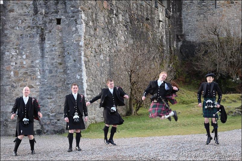 Wedding photograph Eilean Donan Castle-12