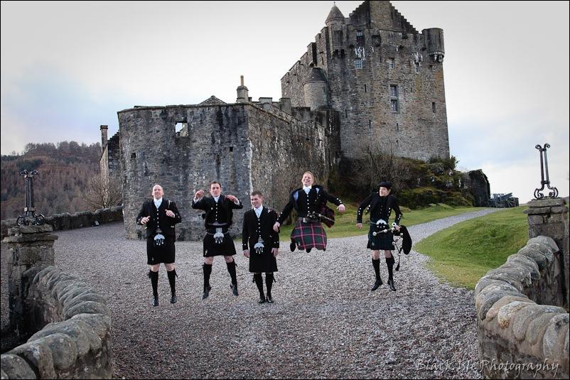 Wedding photograph Eilean Donan Castle-13