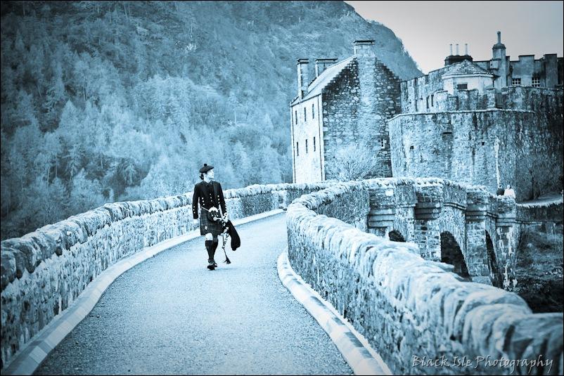 Wedding photograph Eilean Donan Castle-14