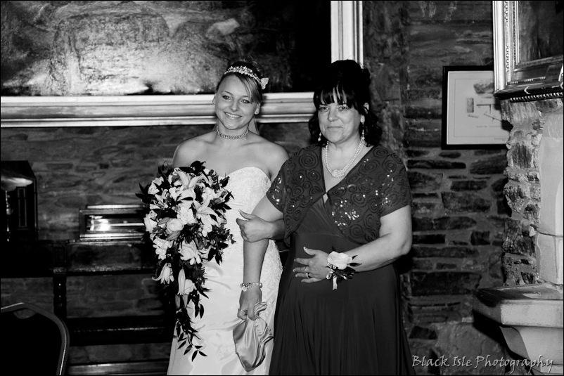 Wedding photograph Eilean Donan Castle-21