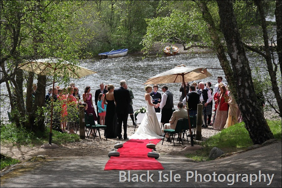 wedding photograph Loch Insh watersports Centre-13