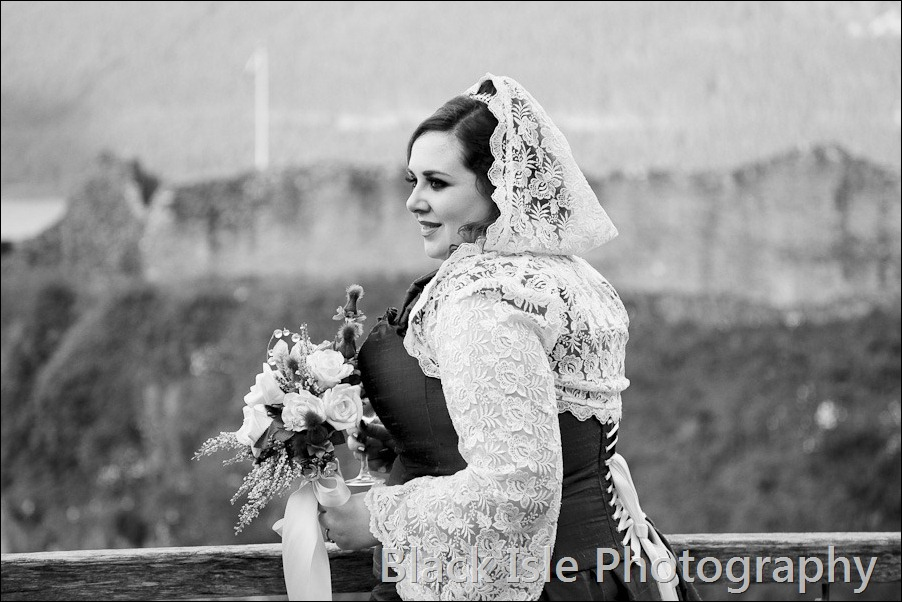 Wedding photographs at Urguhart Castle-46