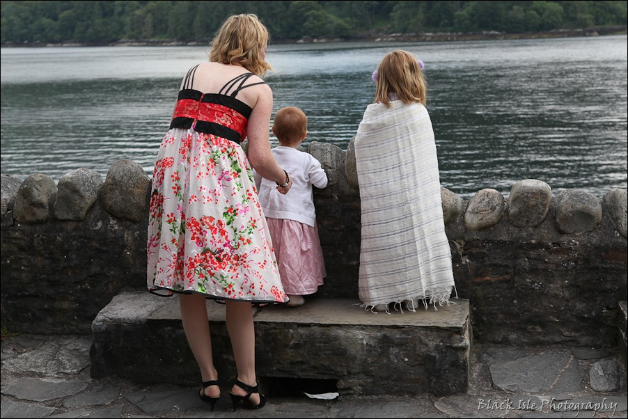 Wedding photography ar Eilean Donan Castle, Highlands, Scotland-15