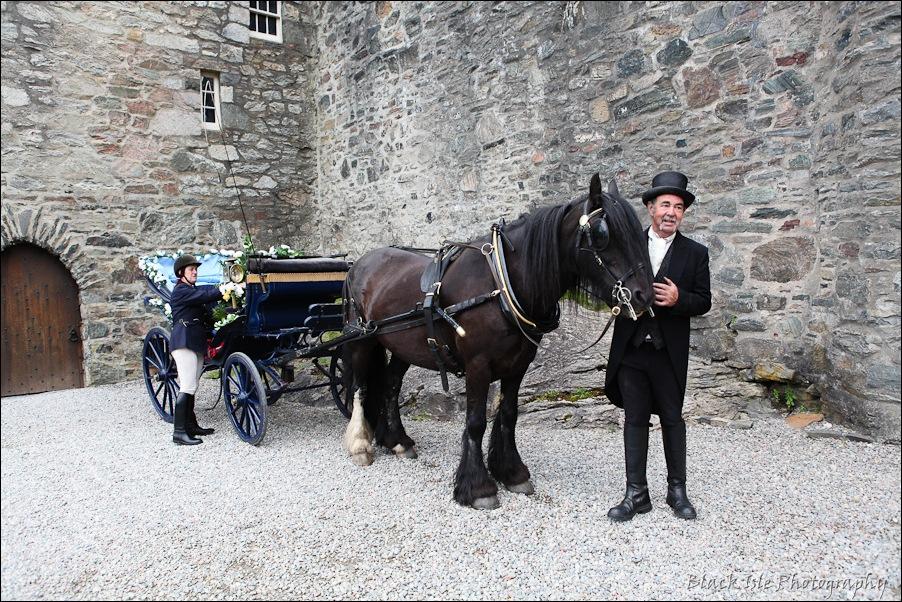 Wedding photography ar Eilean Donan Castle, Highlands, Scotland-19