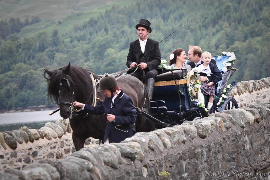 Wedding photography ar Eilean Donan Castle, Highlands, Scotland-1