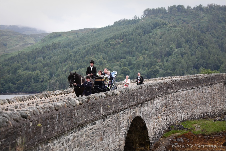 Wedding photography ar Eilean Donan Castle, Highlands, Scotland-21