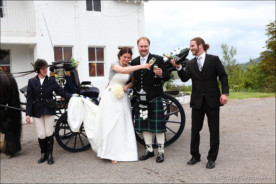 Wedding photography ar Eilean Donan Castle, Highlands, Scotland-23