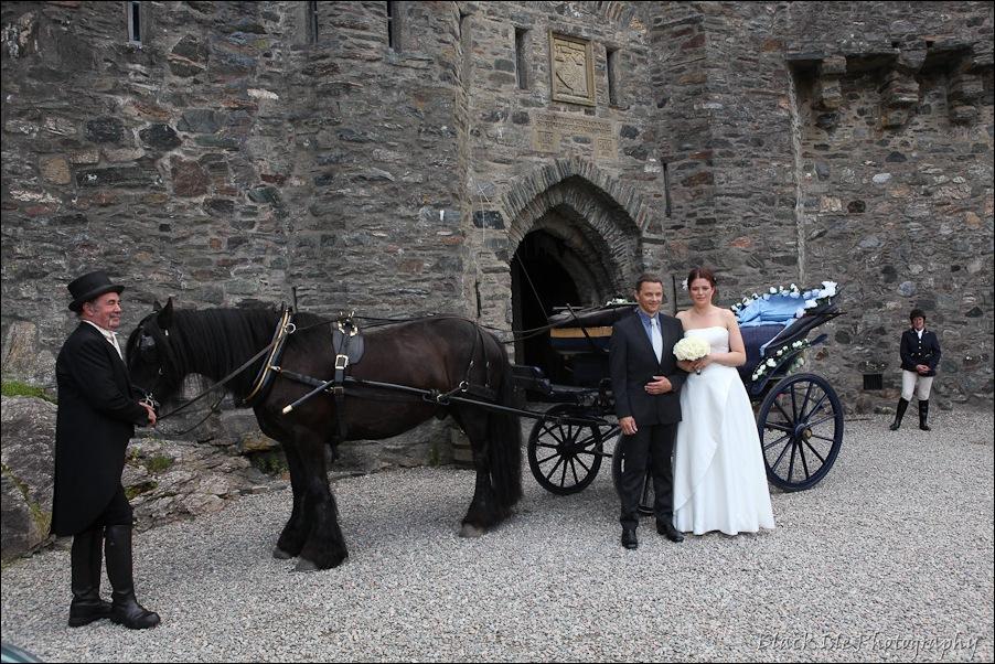 Wedding photography ar Eilean Donan Castle, Highlands, Scotland-7