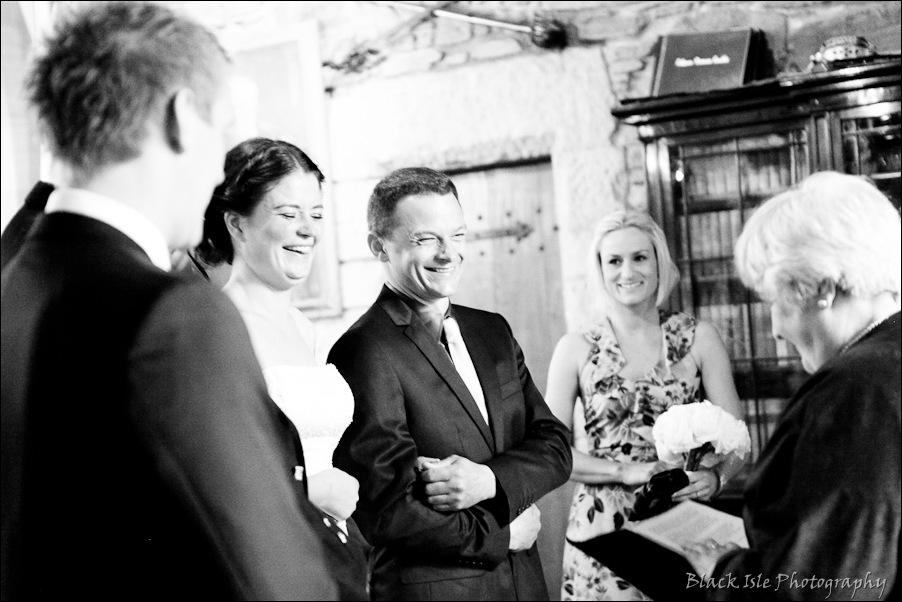 Wedding photography ar Eilean Donan Castle, Highlands, Scotland-9