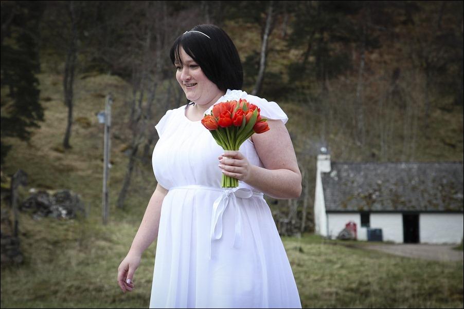 Wedding photograph at Loch an Eilean, Rothiemurchus, Aviemore-4036