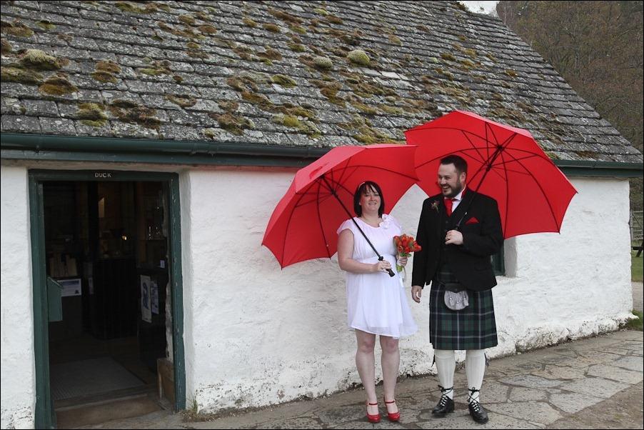 Wedding photograph at Loch an Eilean, Rothiemurchus, Aviemore-4148