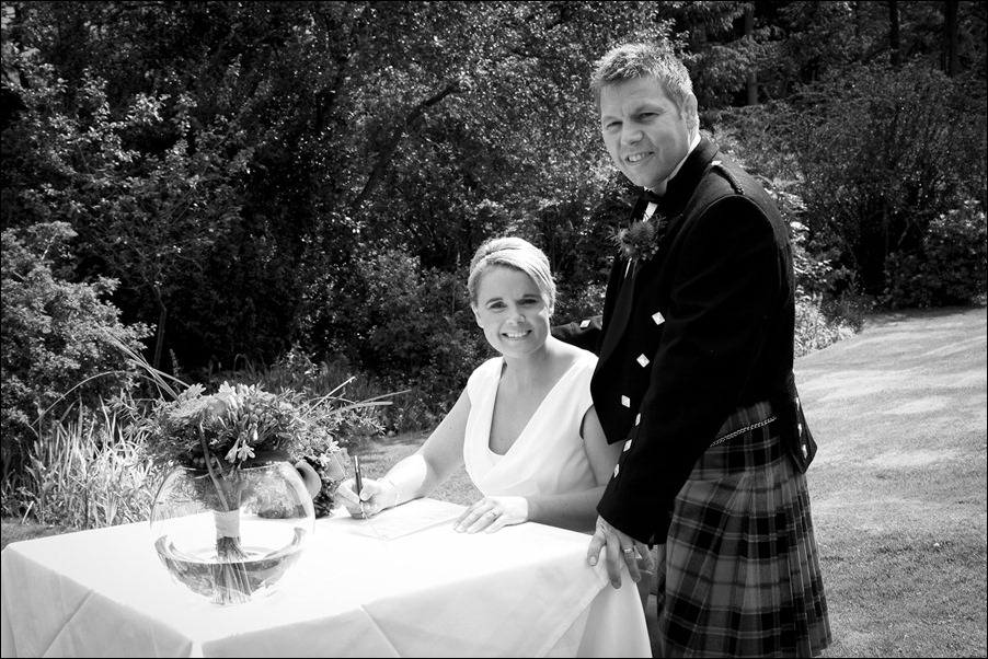 wedding photography at Loch Ness Country House Hotel, Inverness Highlands-1122