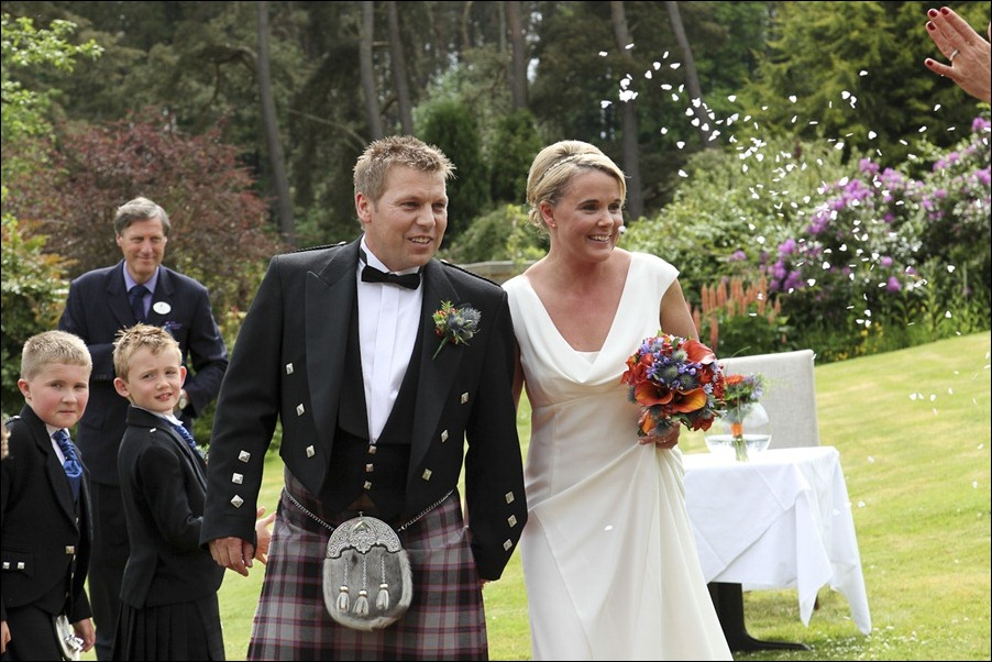 wedding photography at Loch Ness Country House Hotel, Inverness Highlands-1124