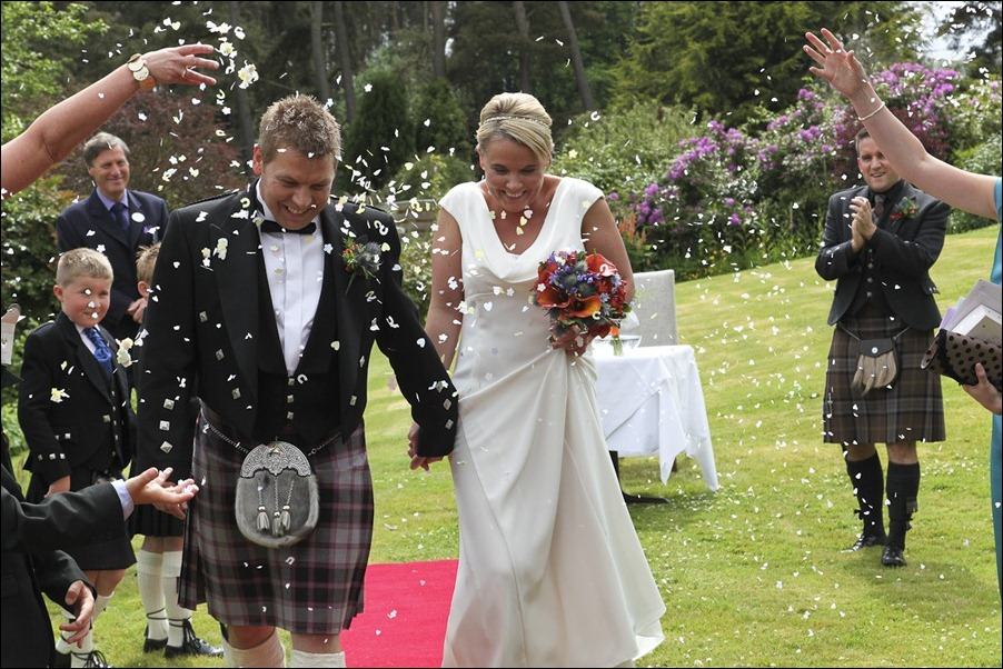 wedding photography at Loch Ness Country House Hotel, Inverness Highlands-1125