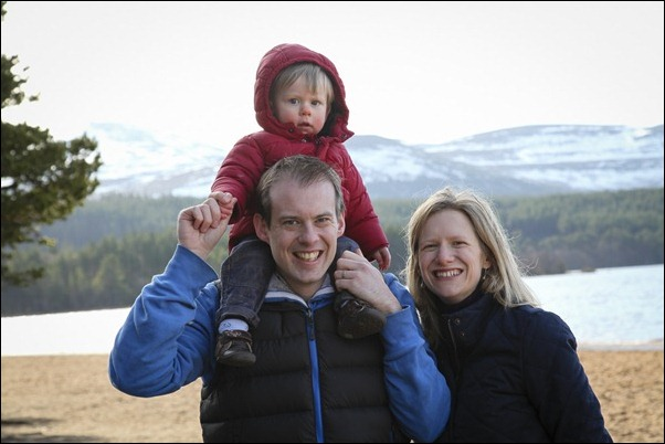 Family portrait photographs at Loch Morlich, Rothiemurchus-5739