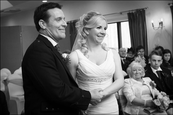 wedding photographs at Loch Ness Country House Hotel-7368