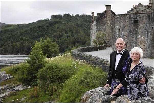 Wedding photography at Eilean Donan Castle-6118