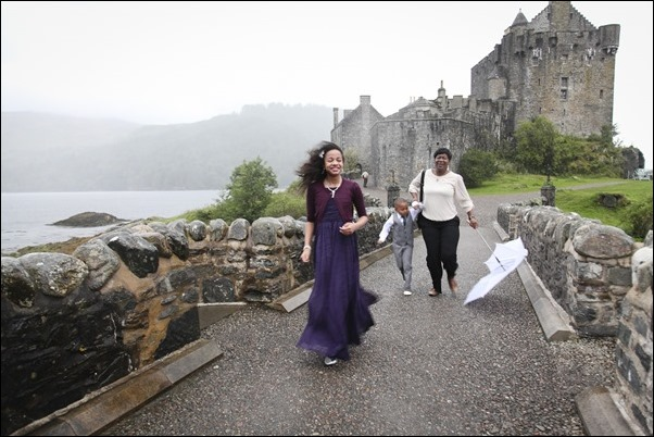 wedding photography at Eilean Donan Castle-0923