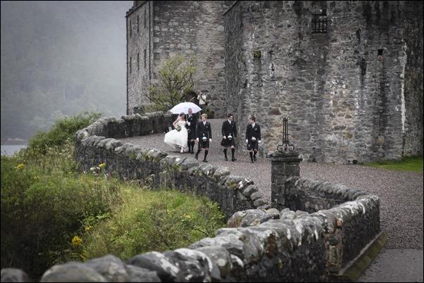 wedding photography at Eilean Donan Castle-0926