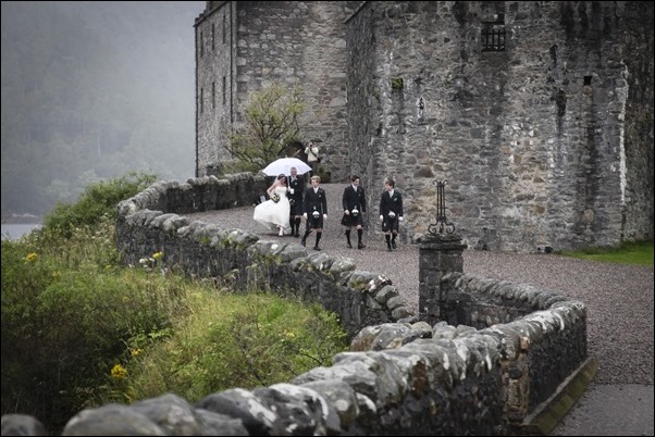 wedding photography at Eilean Donan Castle-0926