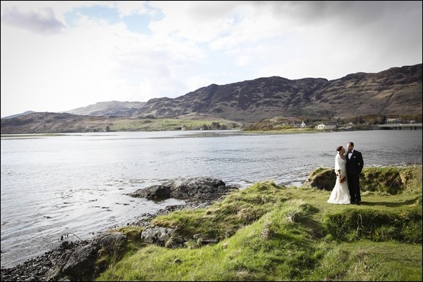 wedding photographs of Eilean Donan Castle -5071