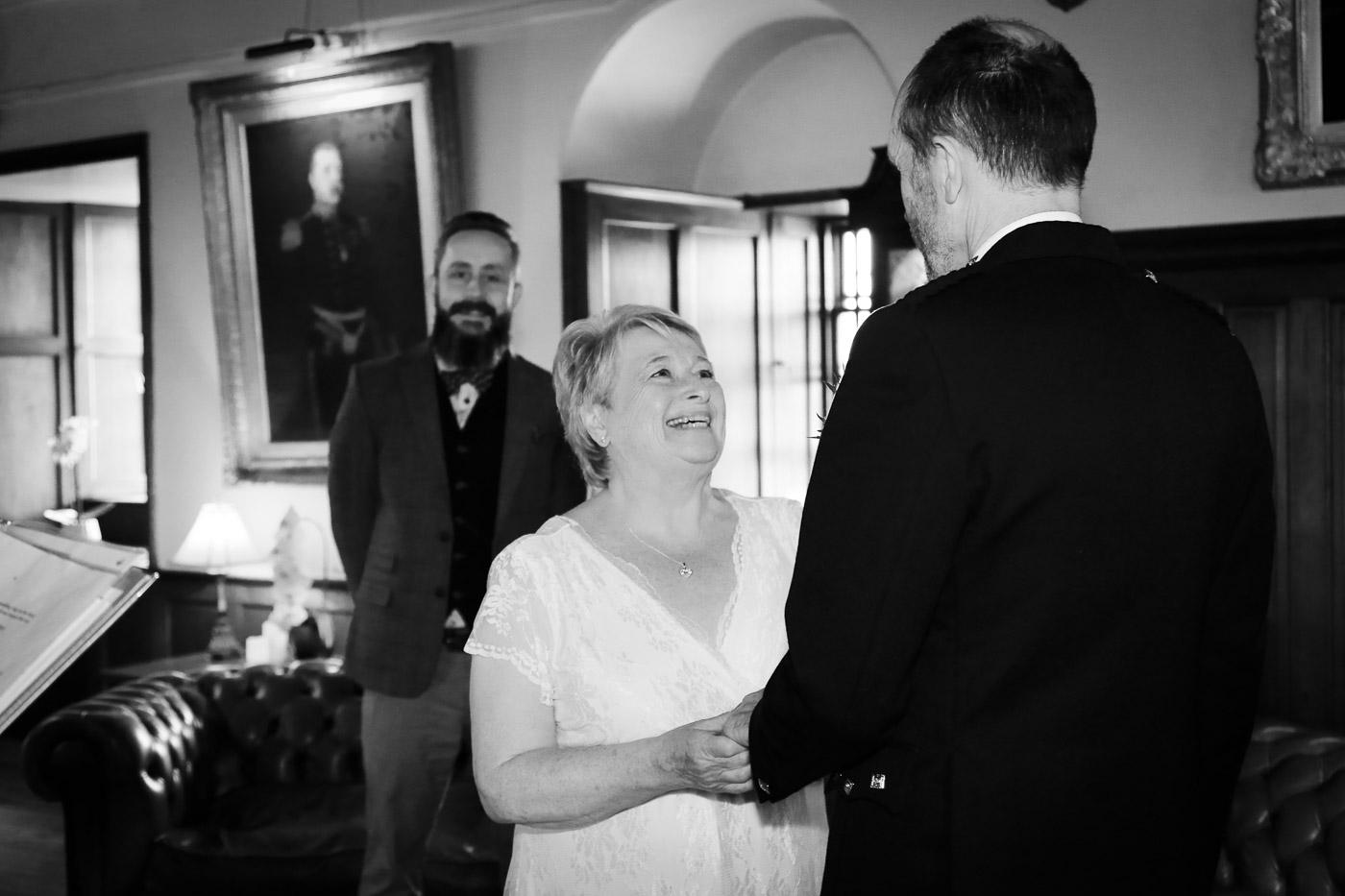 wedding-photography-at-barcaldine-castle-argyll-2889-2