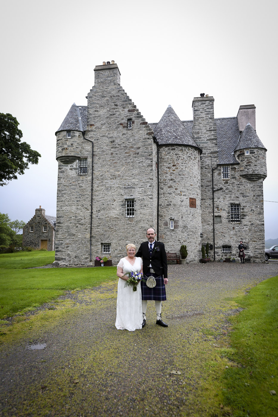 wedding-photography-at-barcaldine-castle-argyll-2968