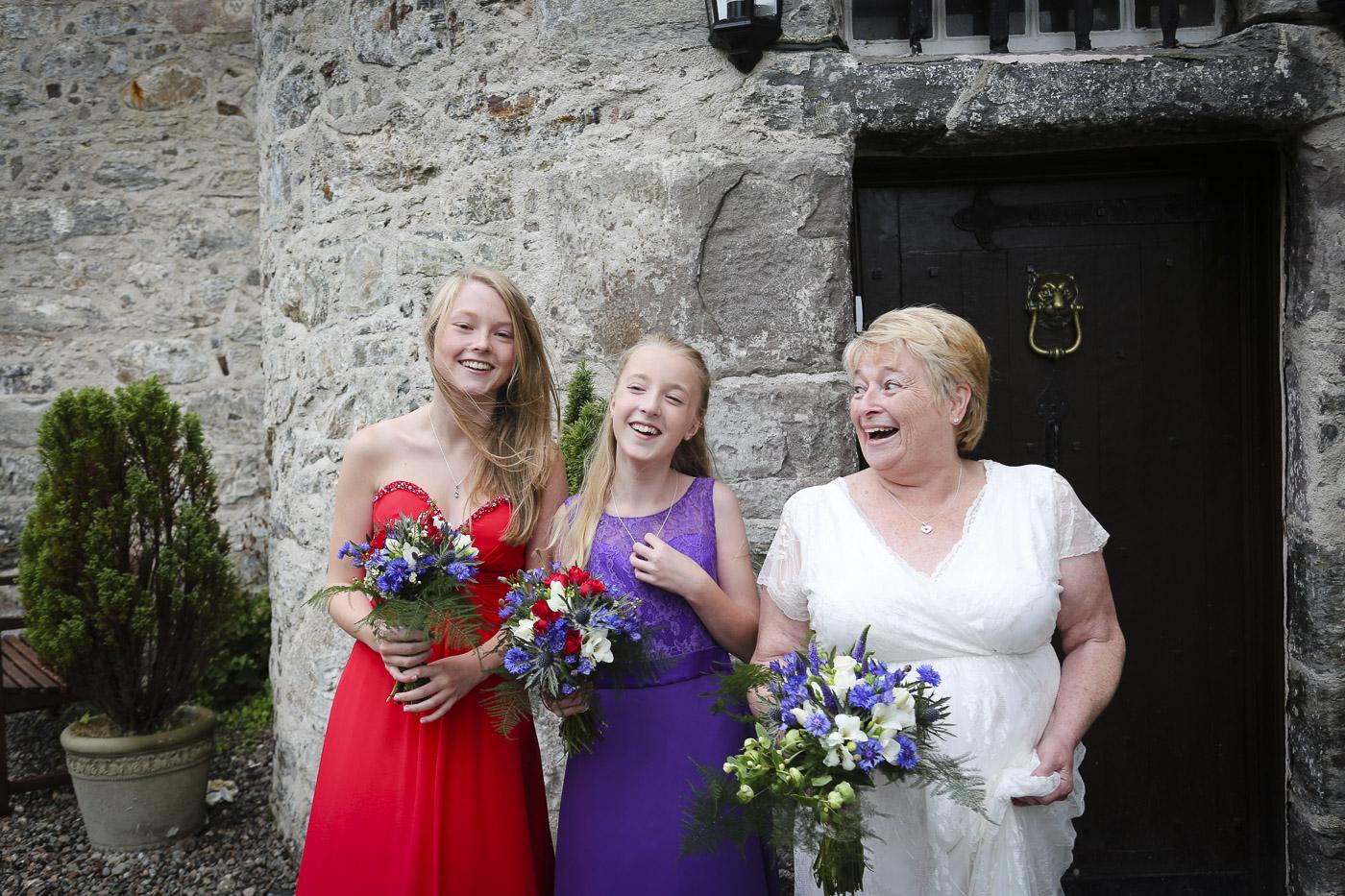 wedding-photography-at-barcaldine-castle-argyll-3048