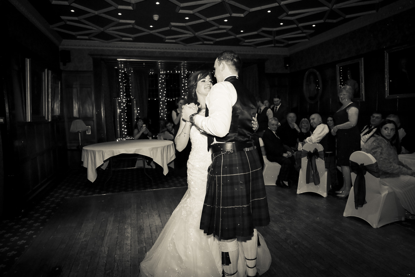 wedding-photography-at-bunchrew-house-inverness-9420-2