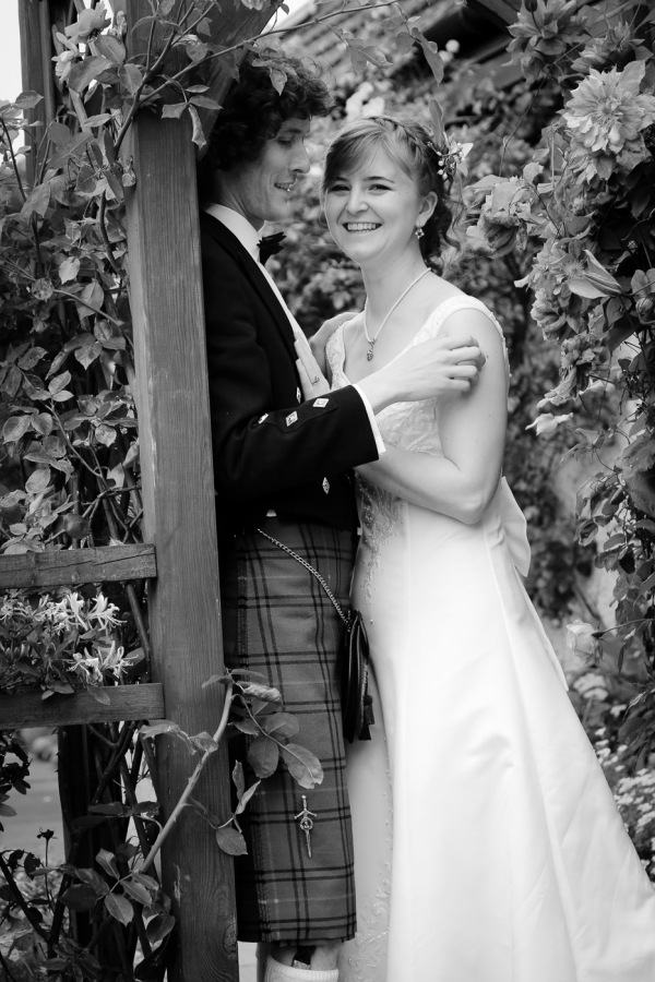 wedding-photography-at-roskeen-church-alness-2529