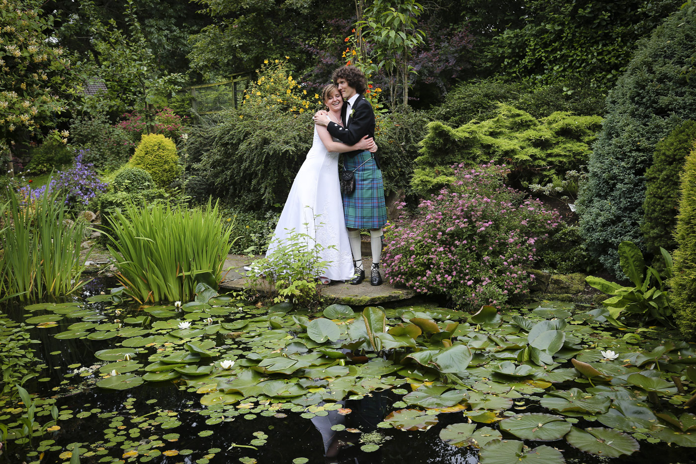 wedding-photography-at-roskeen-church-alness-2569