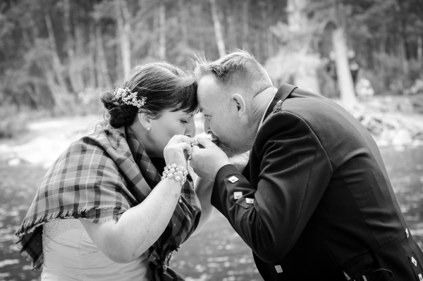 wedding photography at Loch an Eilein, Rothiemurchus-3988-2